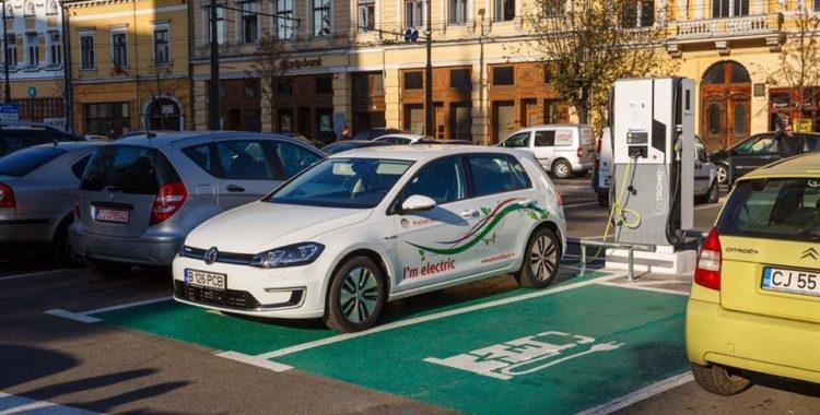 Mai multe taxiuri electrice pe strazile din Cluj–Napoca