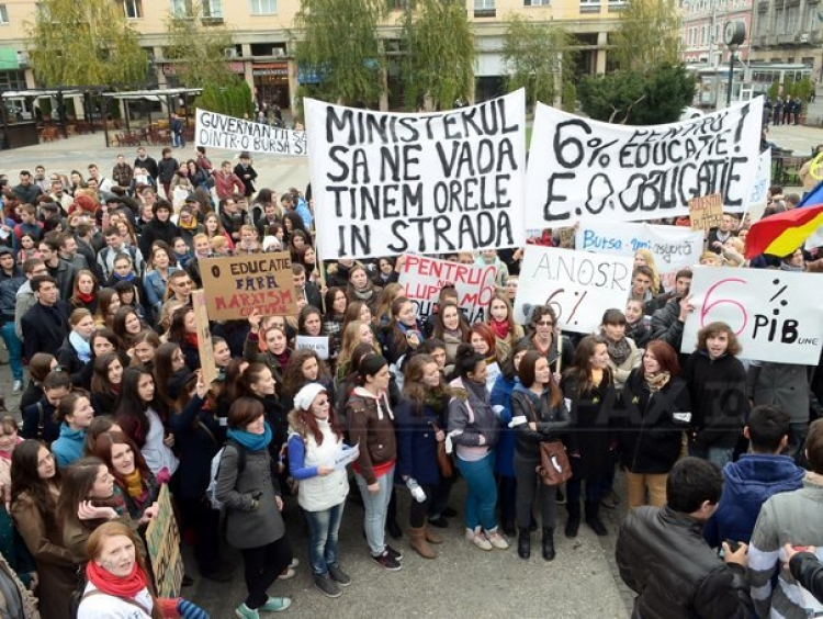 Studentii cer ca rectorilor universitari sa nu li se mai permita sa candideze la alegerile parlamentare