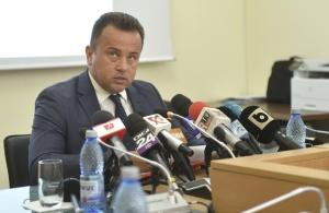 Ministerul Educatiei vrea sa oblige studentii bugetari sa lucreze in tara