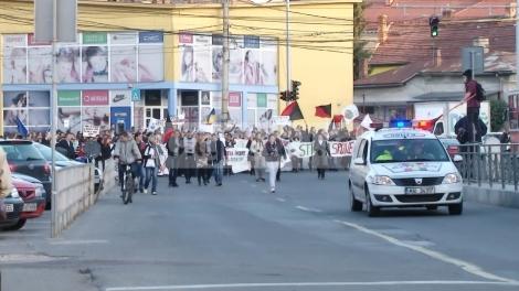 Studentii clujeni tin orele in strada! Vor protesta in Piata Unirii pentru ca Guvernul sa respecte legea