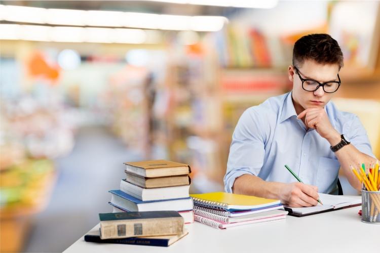 10 sfaturi pentru a aborda examenele cu usurinta