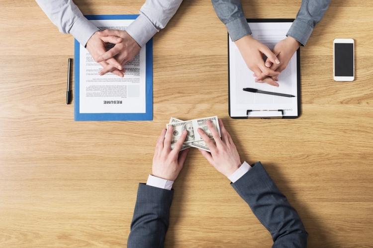 Ce trebuie sa stii cand iti negociezi salariul intr-un interviu