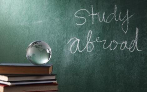60% din absolventii romani de studii in straiantate prefera Romania