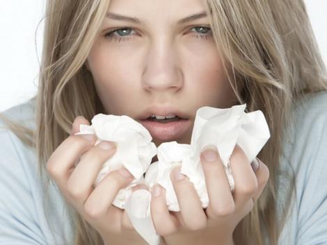 8 Remedii Naturiste Anti-Raceala si Gripa