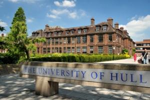Burse in valoare de 15.000 de euro pentru viitorii cursanti ai programului EMBA University of Hull
